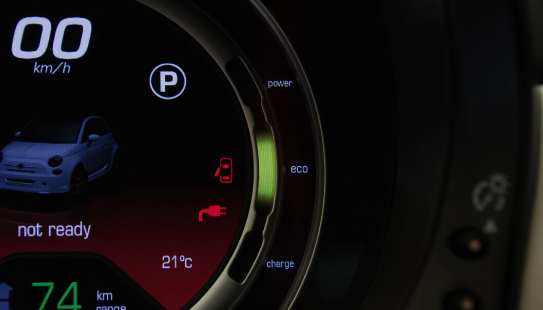 - Nærmer bilen din seg utløp på kjørte kilometer, kan det være lurt å fremme eventuelle garantikrav før du drar på sommerferie. Foto: NTB scanpix.