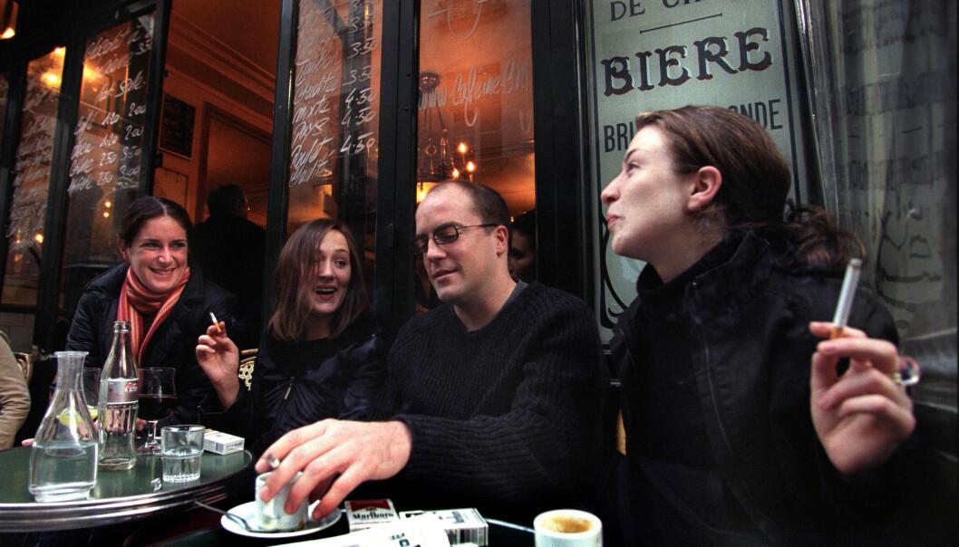 FÆRRE ALVORLIG SYKE: En fransk studie viser at røykere i mindre grad enn ikke-røykerne ble alvorlig syke av coronaviruset. Foto: Paul Cooper REX / NTB scanpix