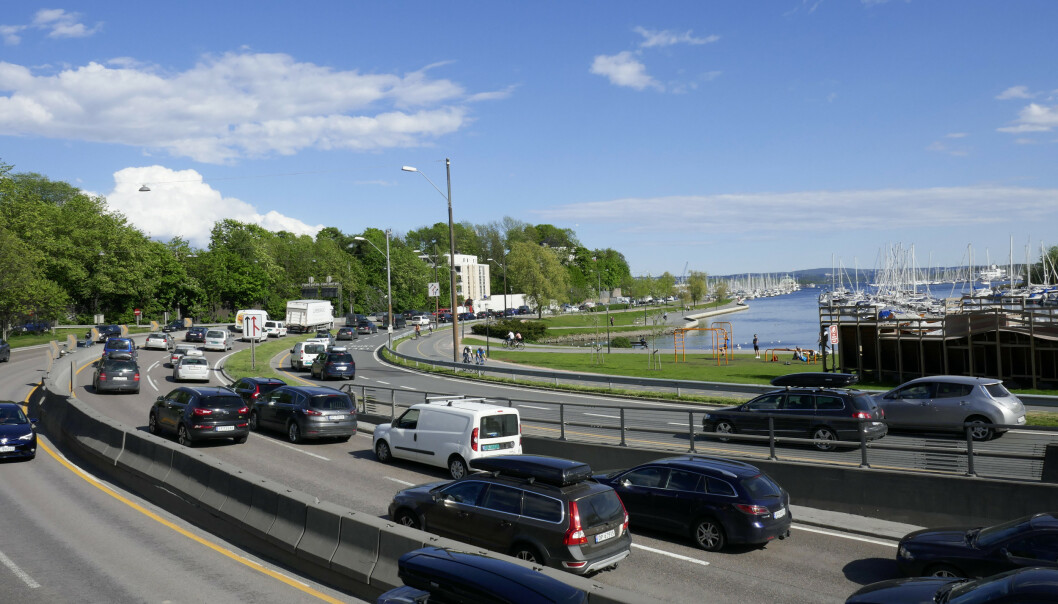 Å få ut flere gamle biler vil bidra til et bedre nybilmarked og flere elbiler, mener Norges Bilbransjeforbund. Foto: Erik Johansen / NTB scanpix.