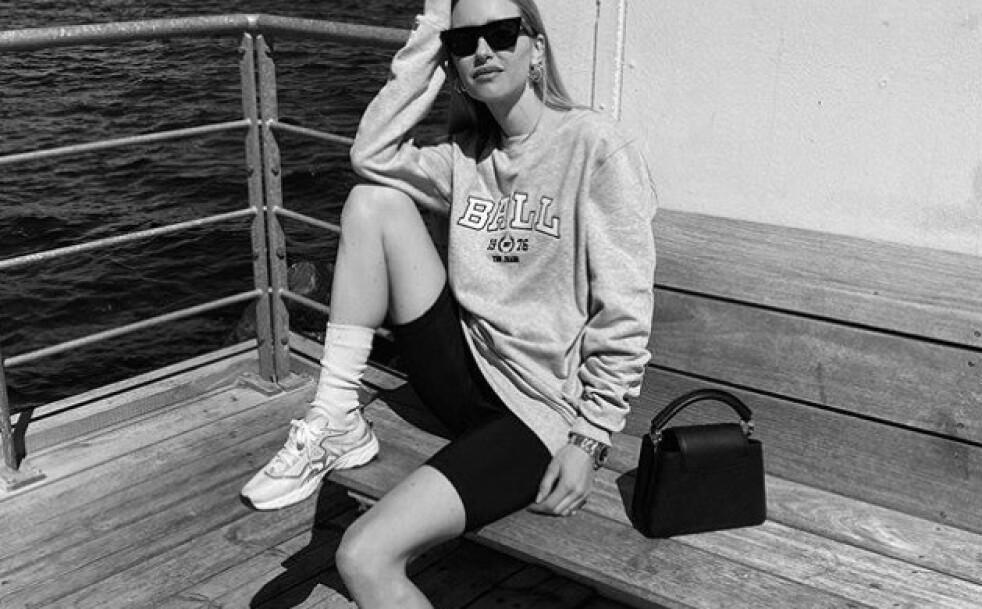 BALL GJØR COMEBACK: Nylig la moteprofilen Pernille Teisbæk ut dette bildet iført en av 80-tallets mest populære gensere. Foto: Skjerdump fra Instagram @pernilleteisbaek
