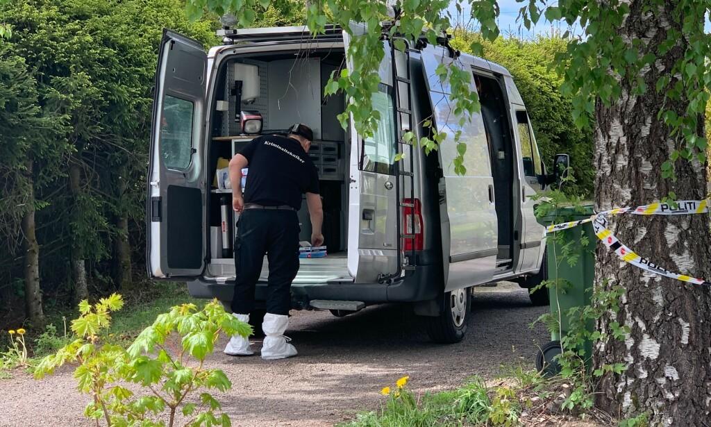 TEKNIKER: Politiet driver nå etterforskning ved to adresser. Foto: Marthe S. Lien / Dagbladet