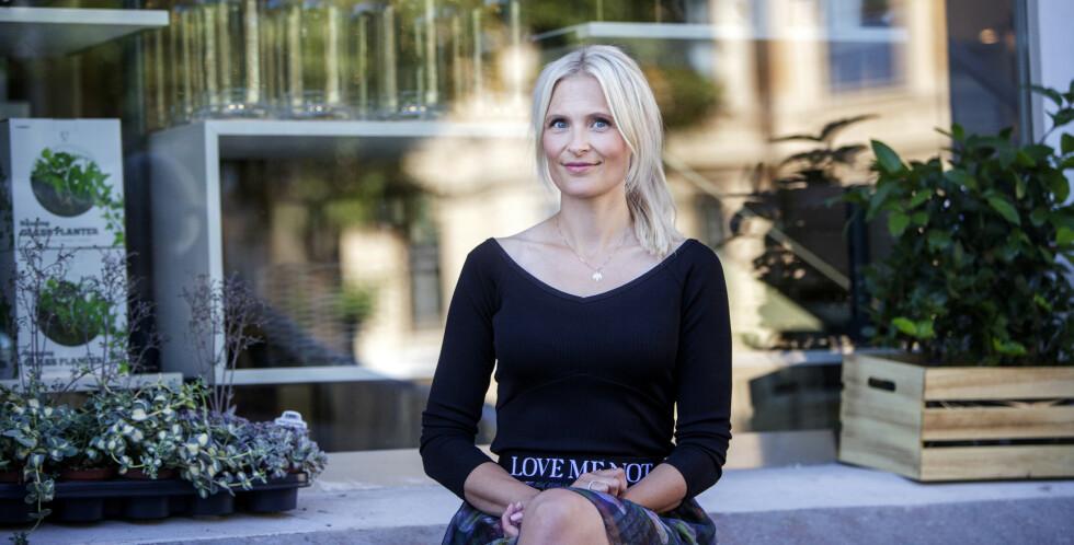 <strong>BOKAKTUELL:</strong> Stine Trygg-Hauger har lang erfaring fra butikk, både som ansatt og leder. Nå deler hun sine beste råd boks form. FOTO: Javad Parsa