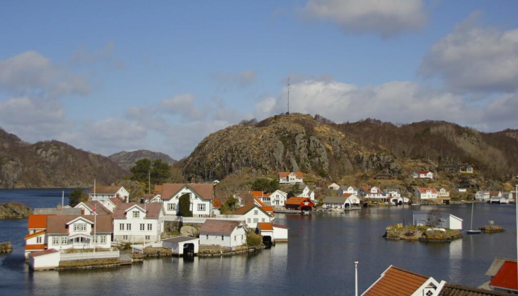 Øya Hidra byr på et lite stykke Norge med fjell og fjord. Foto: Kjersti Vangerud