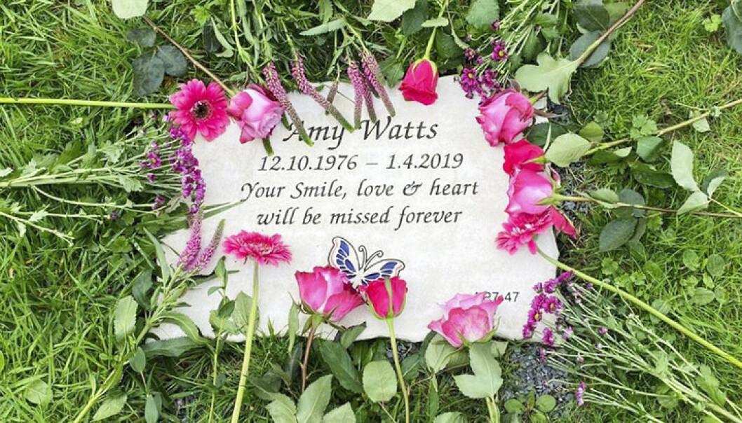 TUNGT FARVEL: Amy Watts var bare 42 år da kroppen hennes ikke orket mer. Foto: PA Real Life