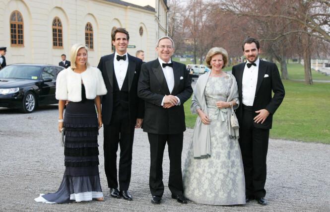 SVIGERS: Her er Marie-Chantel og ektemannen sammen med dronning Anne-Marie og kong Konstantin II i Sverige i 2006. Foto: NTB Scanpix