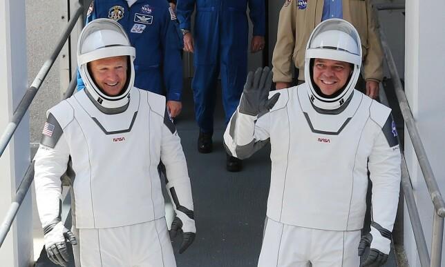 VERDENSROMMET: Det er de to amerikanske astronautene Bob Behnken og Doug Harsley som skal opp i verdensrommet. Foto: AFP.