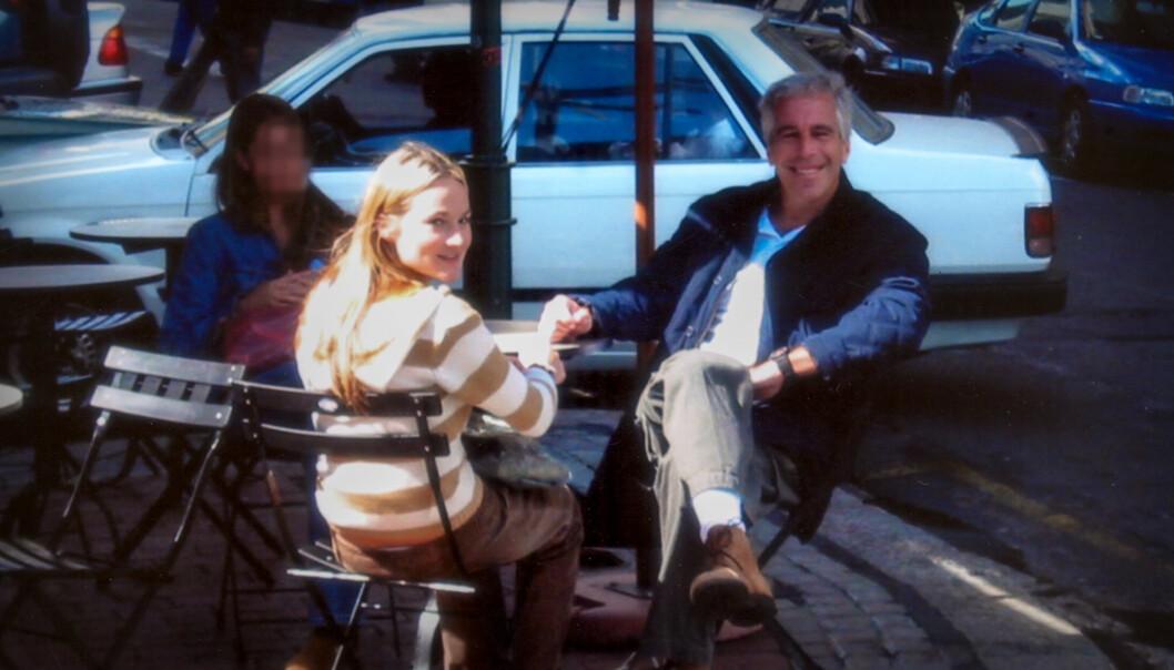 SNAKKER UT: Virginia Roberts Giuffre forteller ekstremt mange detaljer om sitt gufne forhold til Jeffrey Epstein i Netflix-dokumentaren. Foto: Netflix