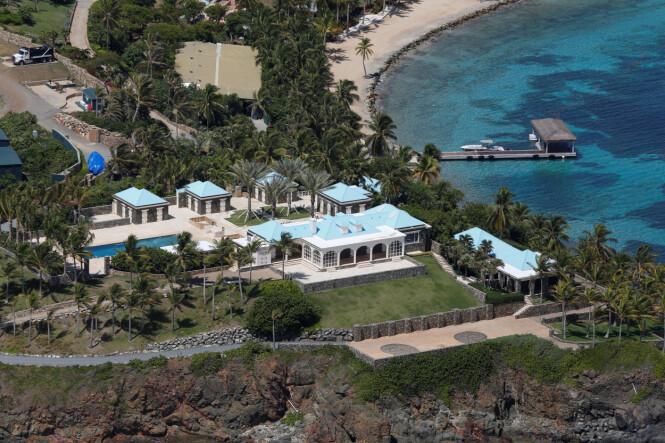 «PEDO ISLAND»: Little St. James, Epsteins private øy, skal ha vært arnested for mange av hans forbrytelser. Han skal ha vartet opp verdenseliten her, samtidig som han begikk et utall overgrep. Foto: NTB Scanpix