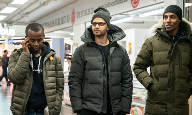 FELTER: Nahom Jonas, Ghulam Abbas og Mahamed «Mo» Ibrahimtar er ofte ute for å snakke med ungdommer på Furuset. Foto: Øistein Norum Monsen/Dagbladet