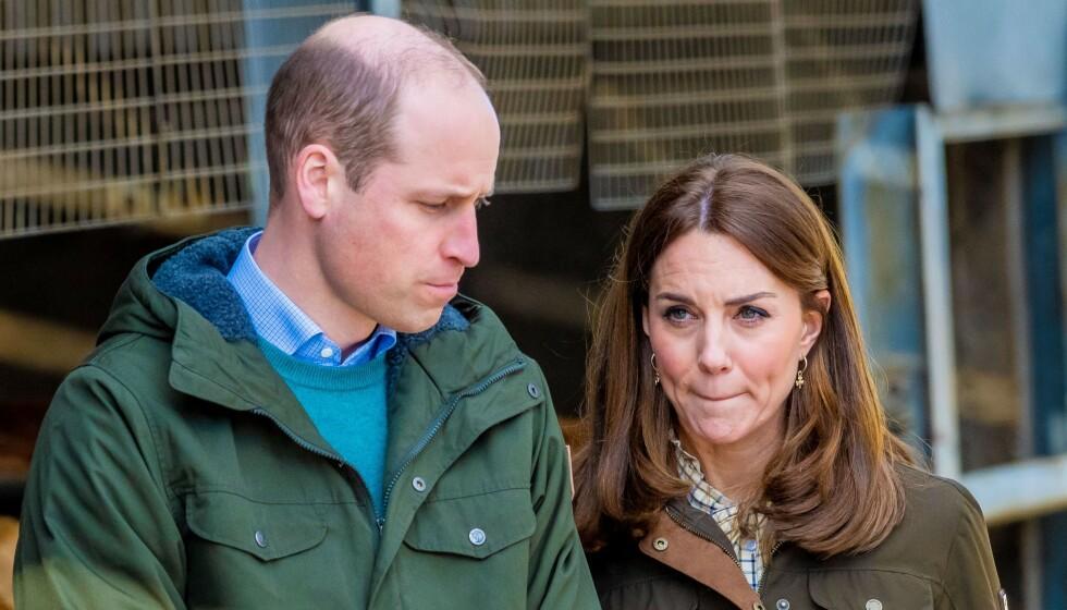 DILEMMA: Prins William og hertuginne Kate står overfor et vanskelig dilemma når de skal bestemme seg for om barna skal gå på kostskole eller ikke. Foto: NTB Scanpix