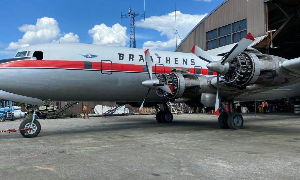 SNUDD: Det gamle Braathens-flyet måtte snu for å fikse en teknisk feil på en motor. Foto: Robert Everts via Ole Johan Berg