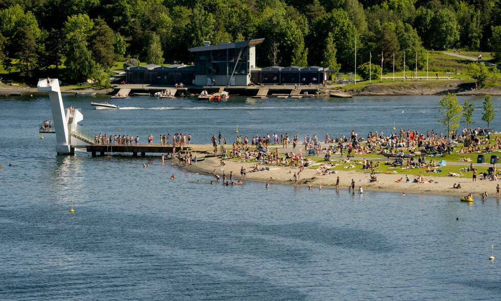 VARMT: Det har vært trangt om plassen på Kadettangen i Bærum denne helga. Her fra første pinsedag. Foto: NTB Scanpix.