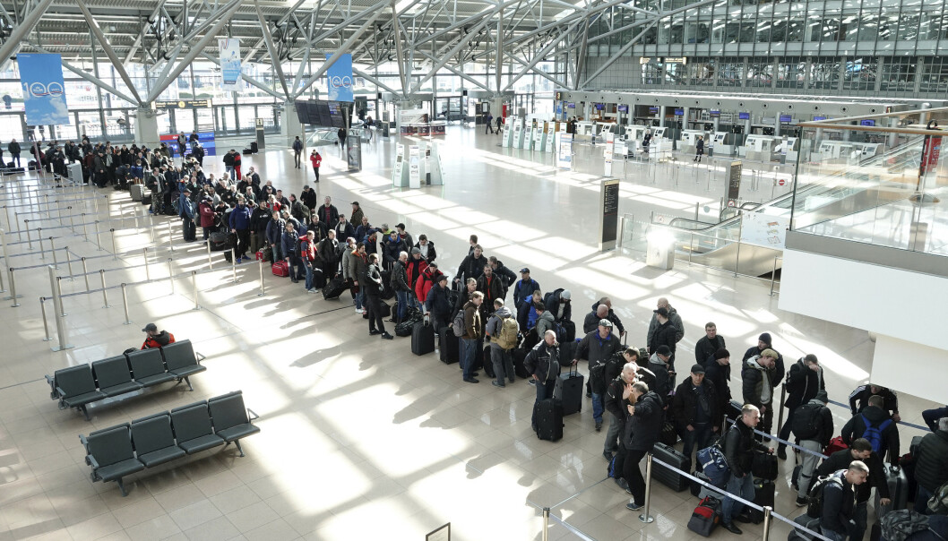 REISERÅD: FN kommer med nye råd for flytrafikken for å hindre smitte av coronaviruset. Her fra flyplassen i Hamburg. Foto: Bodo Marks / AP / NTB Scanpix