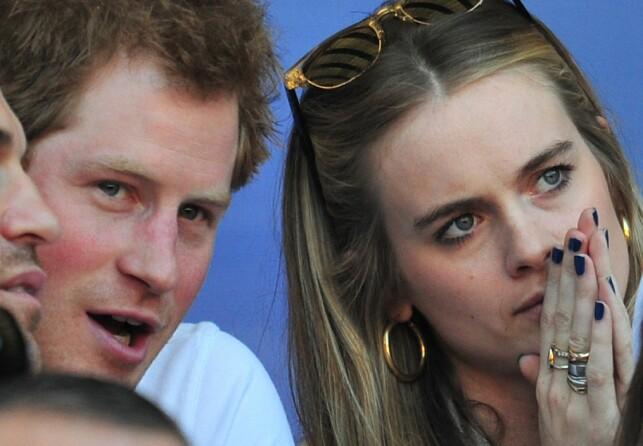 OFFENTLIG FORHOLD: Harry og Cressida ble fotografert sammen utallige ganger, men holdt likevel en forholdsvis lav profil. Her sammen i 2014 før de gikk hver til sitt. Foto: NTB Scanpix