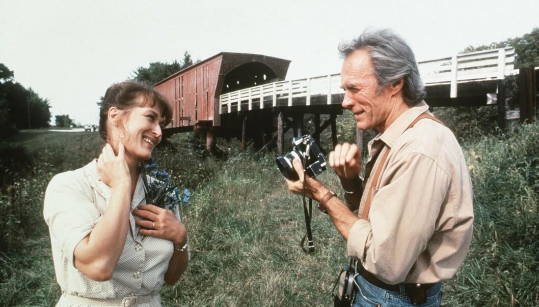 LADDET MØTE: Meryl Streep og Clint Eastwood i minneverdige «Broene i Madison County fra 1995, der Clint også regisserte. FOTO: NTB Scanpix