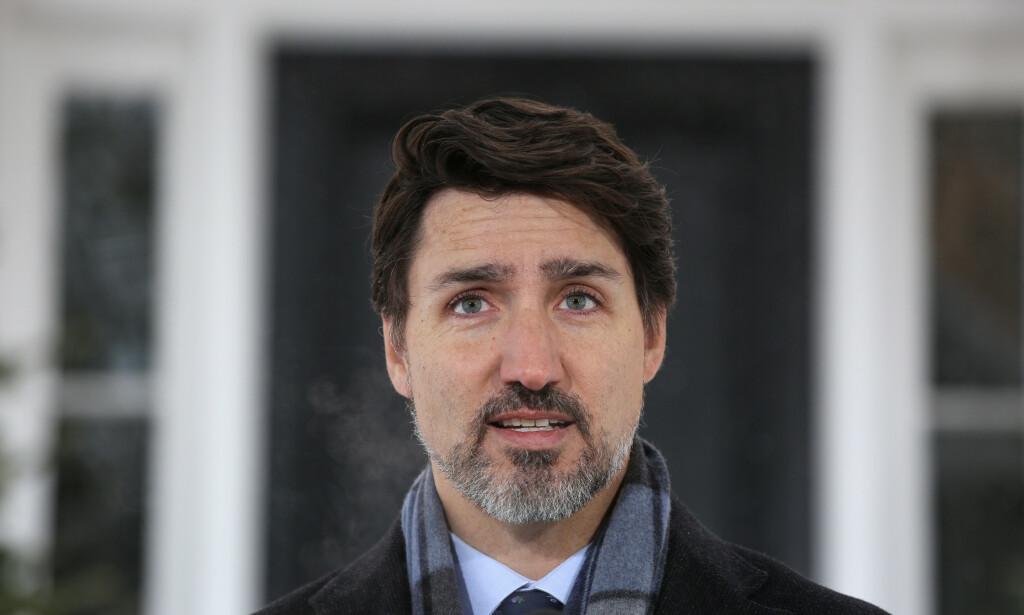 MÅLLØS? Statsminister Justin Trudeau så ikke ut til å ha forventet å bli konfrontert med opptøyene i USA under sin pressekonferanse tirsdag. Foto: Dave Chan / AFP