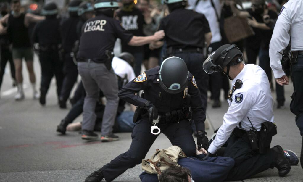 USA I OPPRØR: Også i 1968 ble gatene fylt av demonstranter som hadde mistet troen på at det amerikanske systemet kunne føre frem. Hva er likt og ulikt mellom da og nå? Foto: AP Photo / Wong Maye-E / Scanpix.