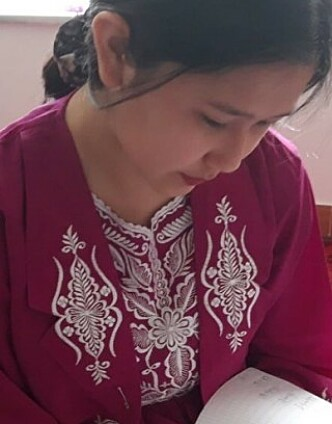 LEKSER REDDER: Leksene som Farida får fra tidligere kontaktlærer Kari Odden Haugen er lyspunktet i 14-åringens liv. Foto: Privat