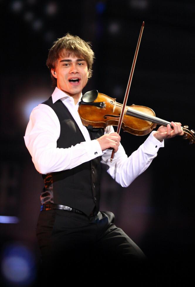 STAKK AV MED SEIEREN: Her er Alexander Rybak avbildet i 2009 under Eurovision Song Contest. Foto: NTB Scanpix