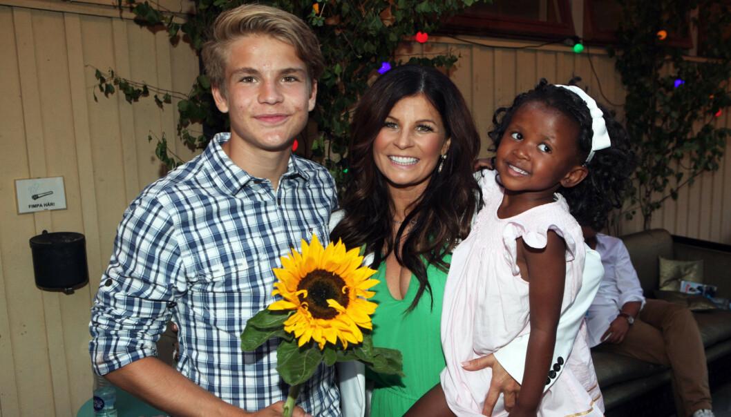 SØKER RÅD: Carolas sønn, Amadeus, deler sine tanker rundt rasisme og hvordan han og søsteren vil oppleve ting forskjellig. Foto: Expressen / NTB Scanpix