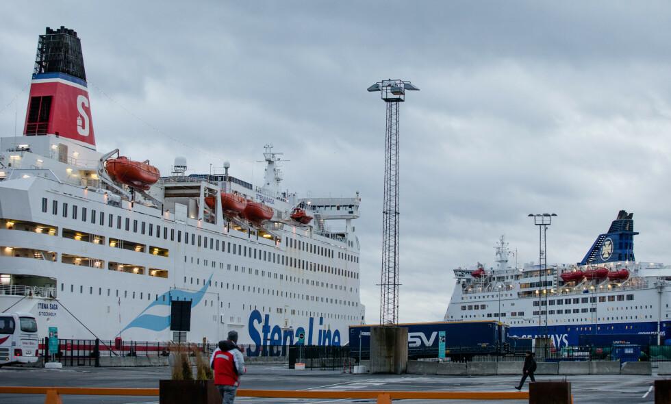 STARTER OPP IGJEN: Danskebåter fra Stena Line og DFDS til kai ved en tidligere anledning. DFDS gjenopptar nå rutene mellom Norge og Danmark. Stena Line har lagt ned ruten mellom Oslo og Frederikshavn. Foto: NTB scanpix