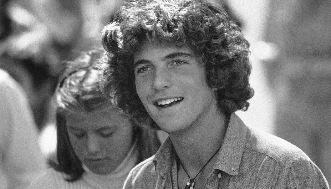 ETTERTRAKTET UNGKAR: Student John F. Kennedy Jr. på Brown University i 1979. Da er han 19 år. Kjekkasen var en populær kar blant damene. FOTO: NTB scanpix