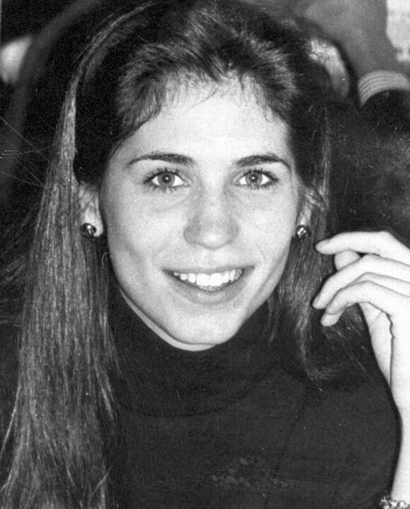OMKOM: Carolyns storesøster Lauren Bessette ble bare 34 år. Hun døde også i flyulykken, og etterlot seg tvillingsøsteren Lisa. FOTO: NTB scanpix