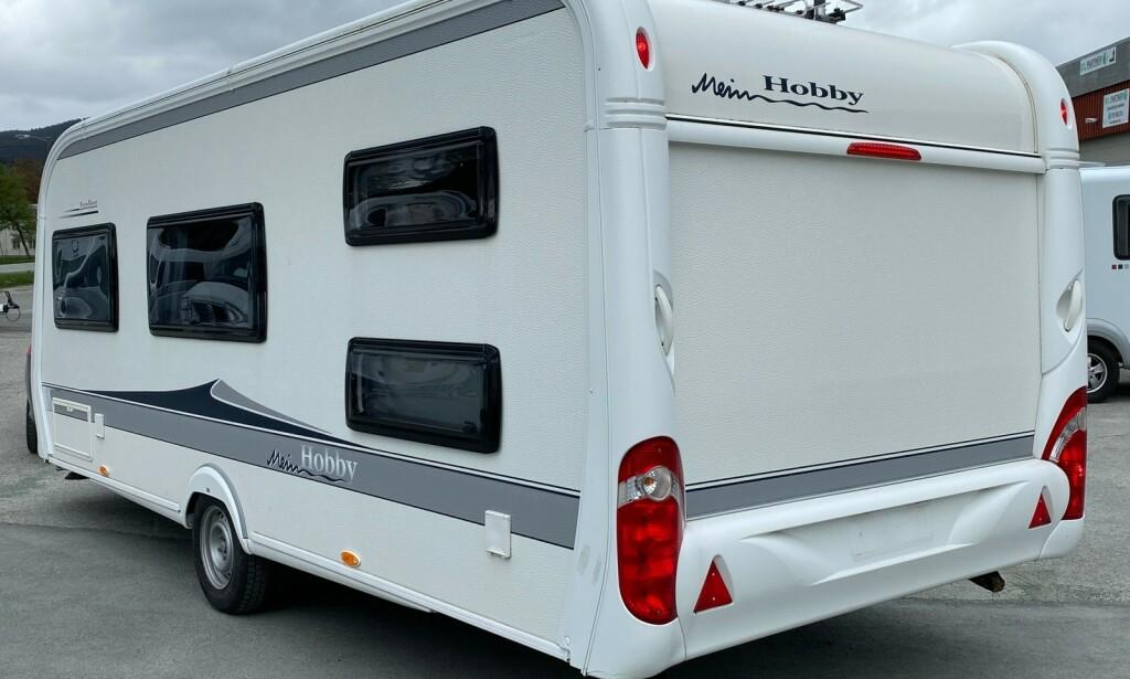 HYTTE PÅ HJUL: Salg av campingvogner går unna i innspurten før sommerferien. Med norgesferie på oss alle i år, så er det mange som vil ut på veien med hytte på jul. Vi har plukket ut anbefalte kjøp til pris under 200.000 kroner. Foto fra Finn.no