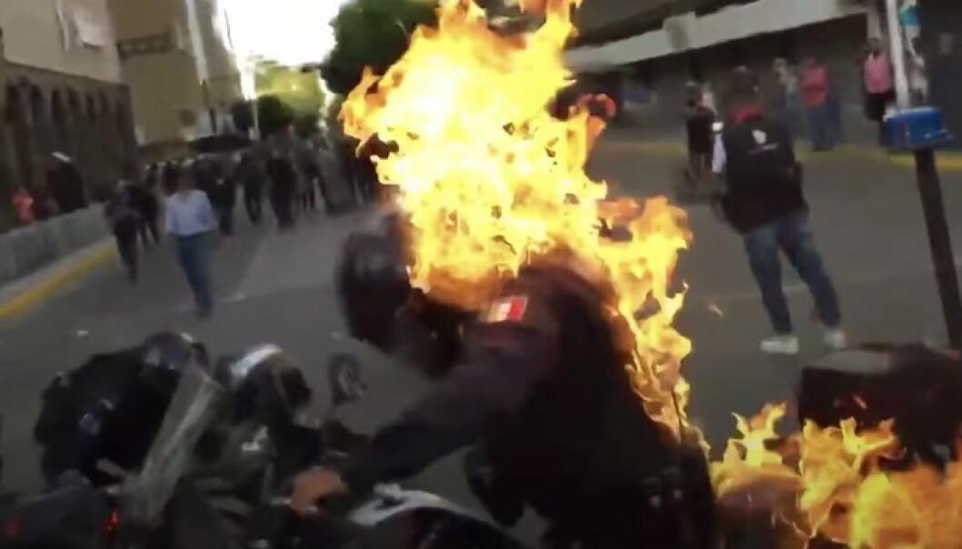 Sterke inntrykk: Tenner på politimann
