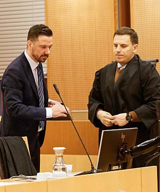 FORSVARERE: Øyvind Bratlien og Fisnik Baki forsvarte 29-åringen under rettsaken. Foto: Øistein Norum Monsen/Dagbladet