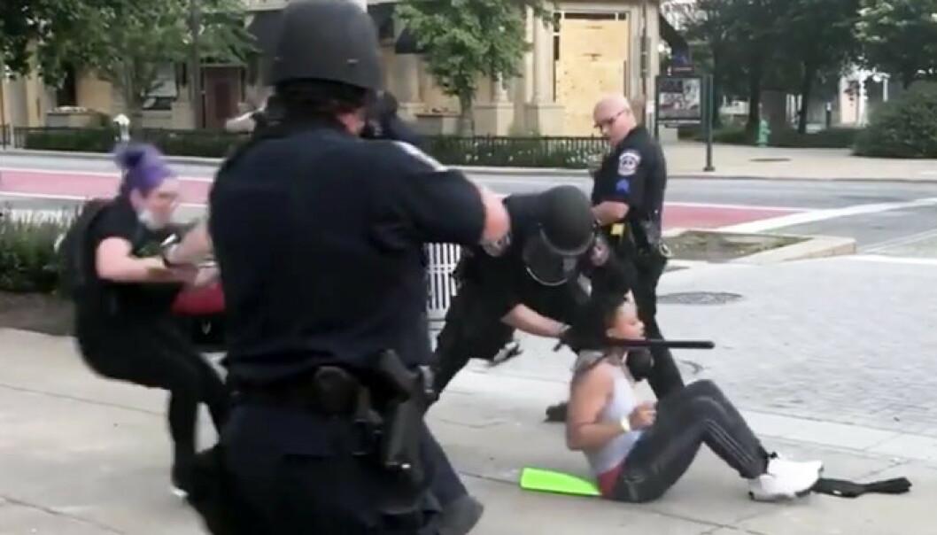 Ny politivold-video sjokkerer