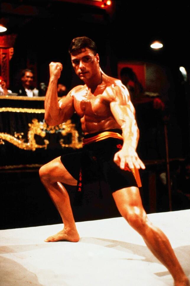 MUSKELBUNT: Jean-Claude Van Damme her avbildet i filmen «Bloodsport» i 1988. Foto: NTB Scanpix