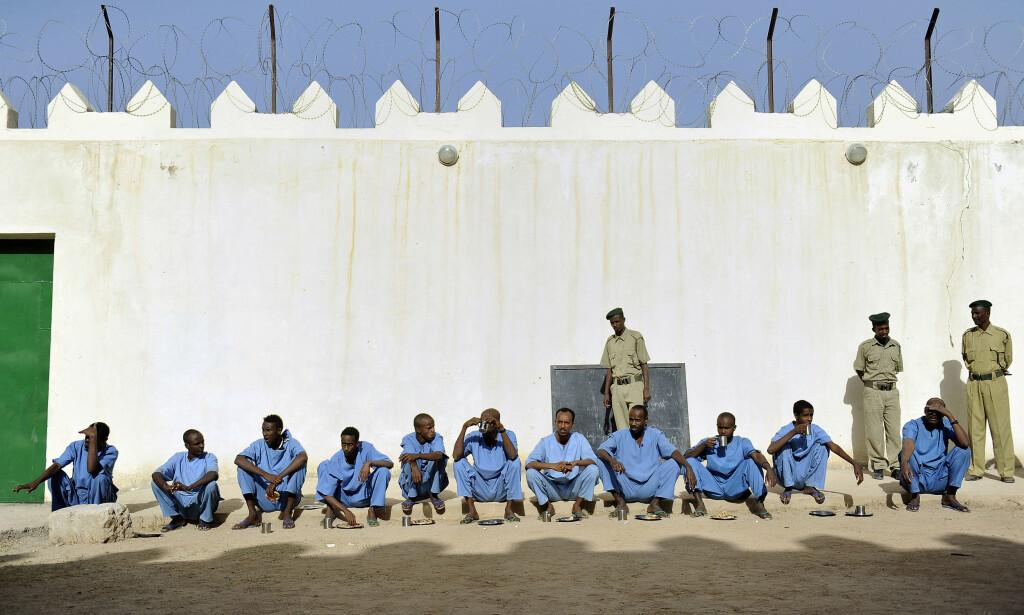 ANKLAGET: Her i det delvis norsk finansierte piratfengselet i Hargeisa i Somaliland, sitter den norske statsborgeren som er anklaget for overlagt drap. Han risikerer å bli skutt. Foto: Tony Karumba / AFP