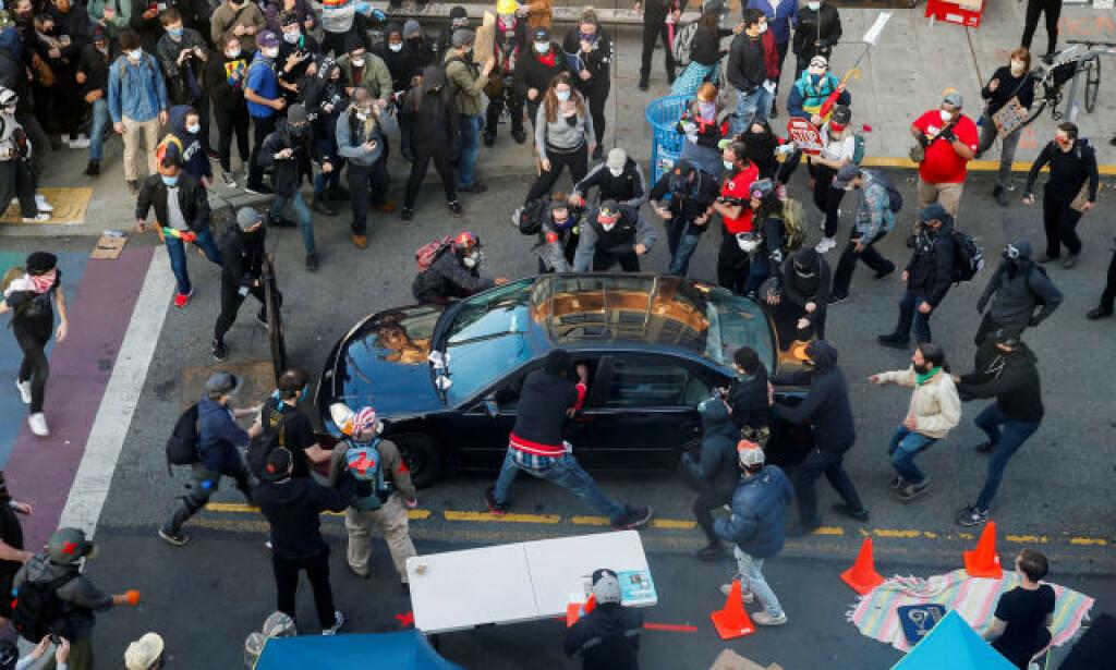 KJØRTE INN: En mann kjørte inn i en folkemengde i Seattle. Foto: Reuters/NTB Scanpix.