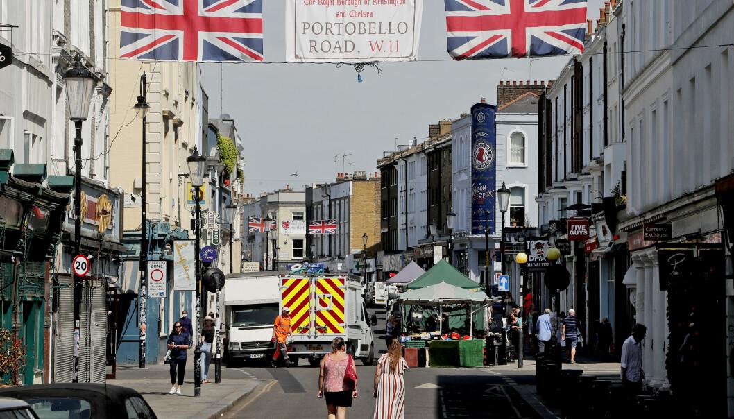 Britiske leger sier flere titall personer som har dødd hjemme med covid-19, har ligget i opptil to uker før de ble funnet. Minst 700 har dødd alene i London. Foto: Frank Augstein / AP / NTB scanpix