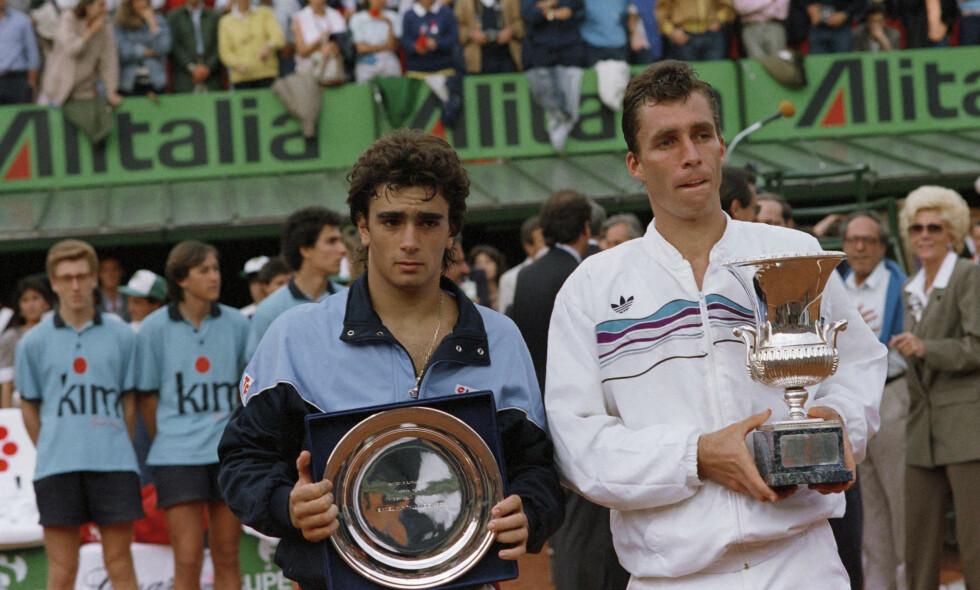 TAP: Guillermo Peréz Roldán (til venstre) tapte finalen i Italian Open mot tidligere verdenséner Ivan Lendl i 1988. Bak kulissene ble unggutten utsatt for både psykiske og fysiske overgrep. Foto: AP Photo/Massimo Sambucetti
