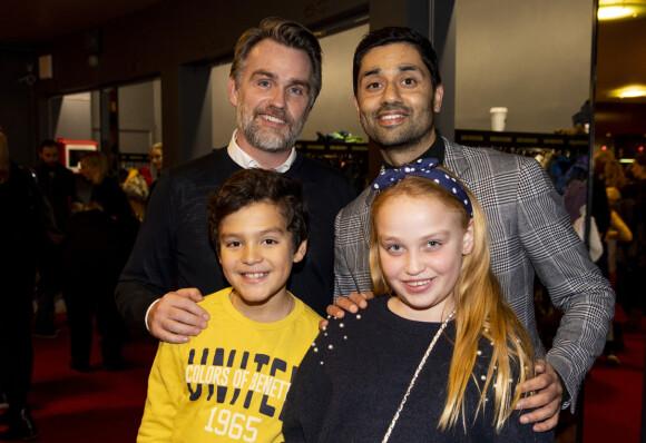 FAMILIEN: Noman Mubashir er samboer med Frode Strømø, og er bonuspappa til Rafael og Isabel. Her fra premieren på Snøfall i 2019. FOTO: Tore Meek / NTB scanpix