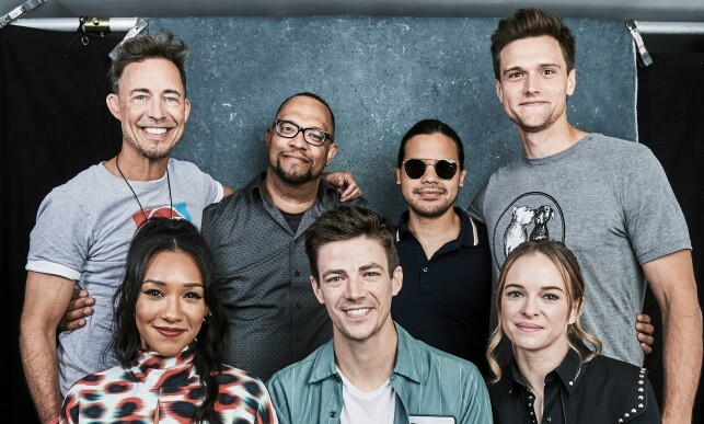 «THE FLASH»: Hartley Sawyer sammen med med-skuespillere Tom Canavagh, Eric Wallace, Carlos Valdes, Candice Patton, Grant Gustin og Danielle Panabaker under «Comic Con» i fjor. Foto: NTB scanpix
