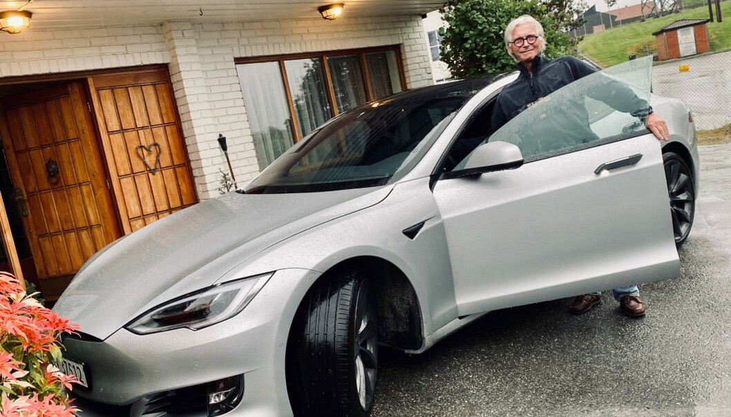Odd Hagen har ventet i snart ett år på å få sin vervepremie av Tesla. Foto: Privat.