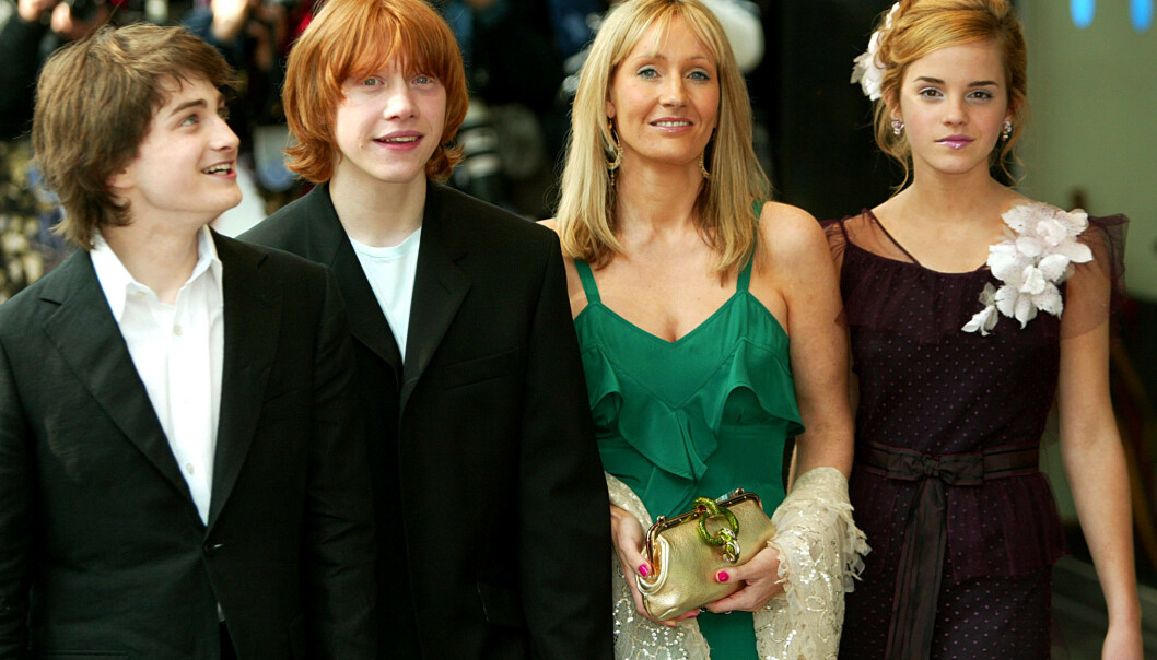 <strong>2004:</strong> Her er Daniel Radcliffe avbildet sammen med Rupert Grint, J.K Rowling og Emma Watson under premieren av «Harry Potter and the Prisoner of Azkaban» i London. Foto: NTB Scanpix