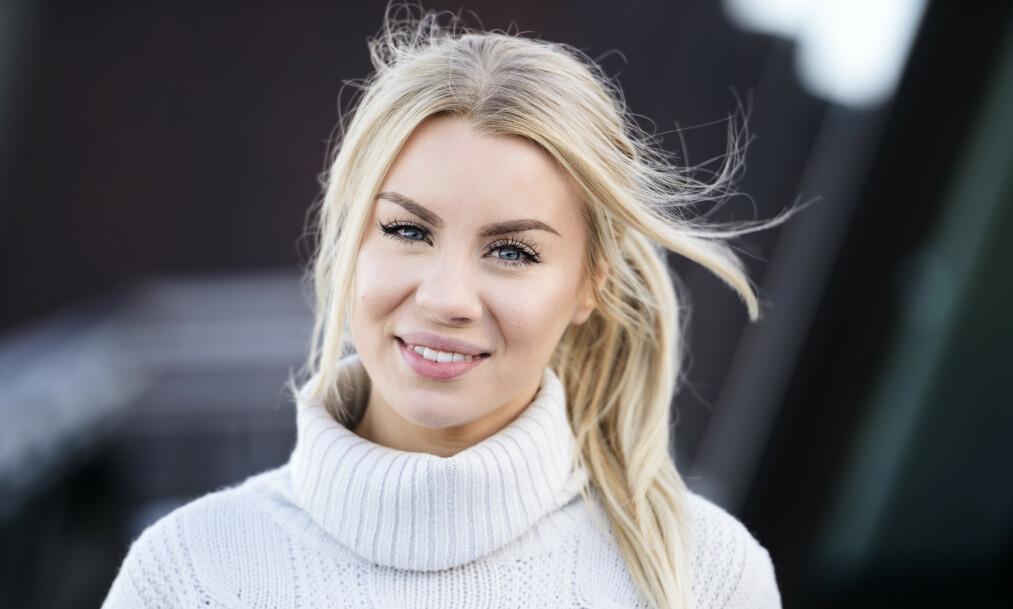 <strong>MYSTISK SYK:</strong> De siste ukene har den svenske influenseren Therése Lindgren fortalt om sterke magesmerter til sine følgere på YouTube. Nå tar hun en pause på grunn av den mystiske sykdommen. Foto: Henrik Montgomery / TT/ NTB Scanpix