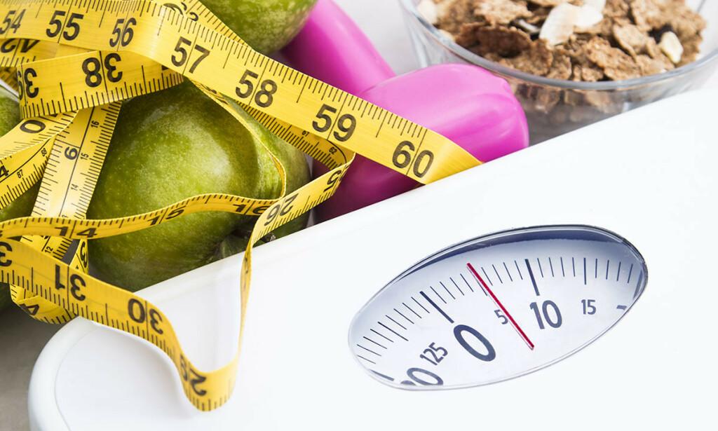 ER DET OVERVEKT? Har du en BMI høyere enn 25 tyder det på overvekt. Men det er ingen god idé å starte med slankekur. Foto: NTB Scanpix