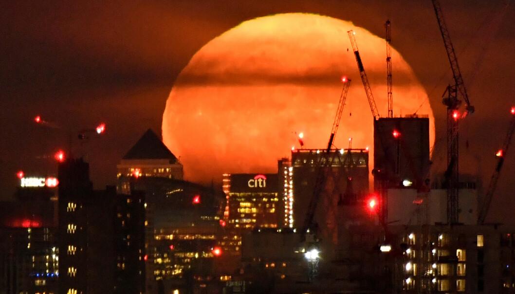 <strong>HARDT RAMMET:</strong> Storbritannia, her representert ved Londons finansdistrikt, er blant landene som har blitt hardest økonomisk rammet av coronakrisen. Foto: Toby Melville / Reuters / NTB Scanpix