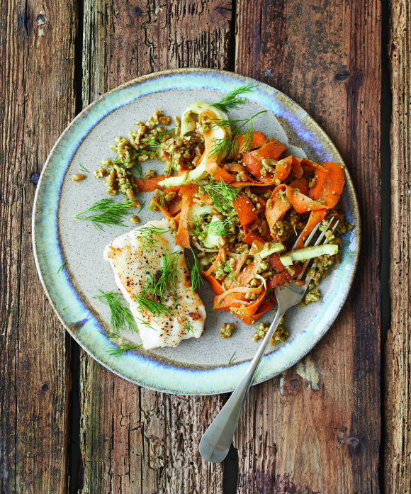 Hvis du vil lage denne enda raskere, kan du kjøpe ferdig pesto på glass. Tips! I stedet for perlespelt kan du også bruke byggris, bulgur eller couscous. FOTO: Winnie Methmann