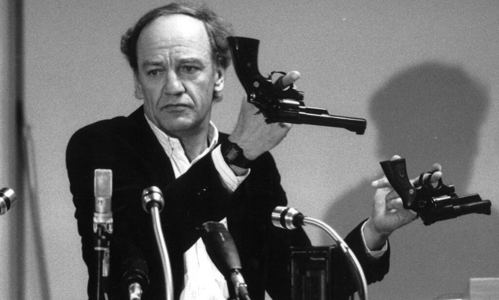 SLAKTES: Politimester Hans Holmér som ledet Palme-etterforskningen, ville ikke etterforske Stig Engström. Den nye etterforskningsledelsen mener det er ubegripelig. Foto: Hakan RODEN / TT