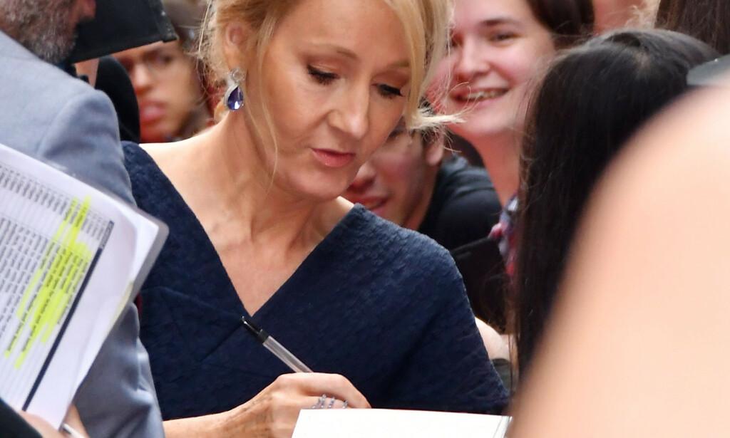 """SKJELLES UT: Harry Potter-forfatter J.K. Rowling har havnet i en storm på sosiale medier etter at hun redegjorde for sitt syn på biologisk kjønn, et syn som mange oppfattet som """"transfobisk"""". Foto: Nils Jorgensen / Shutterstock / Scanpix"""
