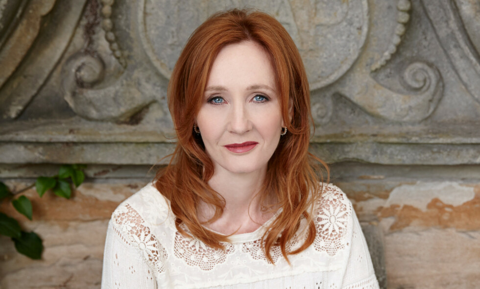 FORTELLER PERSONLIG HISTORIE: Forfatter J. K. Rowling åpner opp om en traumatisk fortid. Foto: NTB scanpix