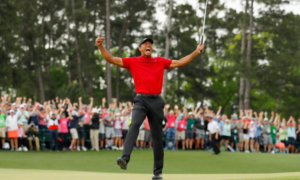 TILBAKE: Øyeblikket da Tiger Woods var tilbake på topp, våren 2019. Foto: Kevin C. Cox / AFP
