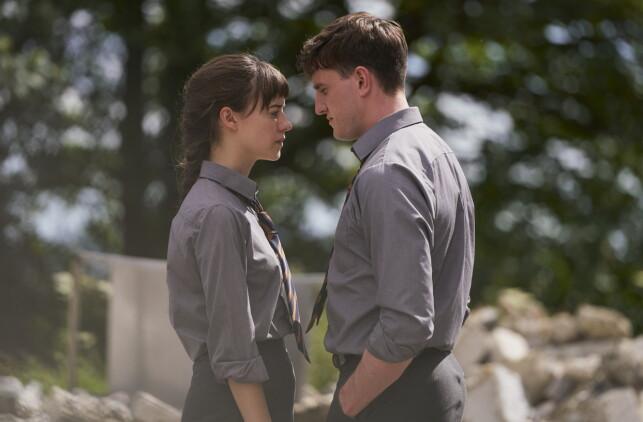 FORELSKER SEG: Marianne og Connell faller for hverandre, men veien mot kjærligheten skal vise seg å være alt annet enn enkel. Foto: Pa Photos / NTB Scanpix