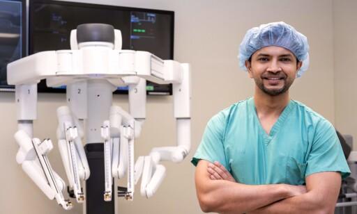KIRURG: Ankit Bharat ved Northwestern Memorial Hospital i Chicago gjennomførte lungetransplantasjonen. Foto: Laura Brown / Northwestern Medicine / AFP